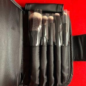 Mini 5 Pc Travel Brush Set